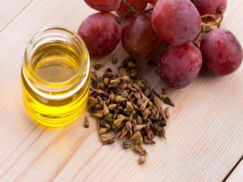 grapeseed-oil-dark-circles-english (1)